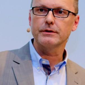 Dr. Reinhard Ematinger für econd